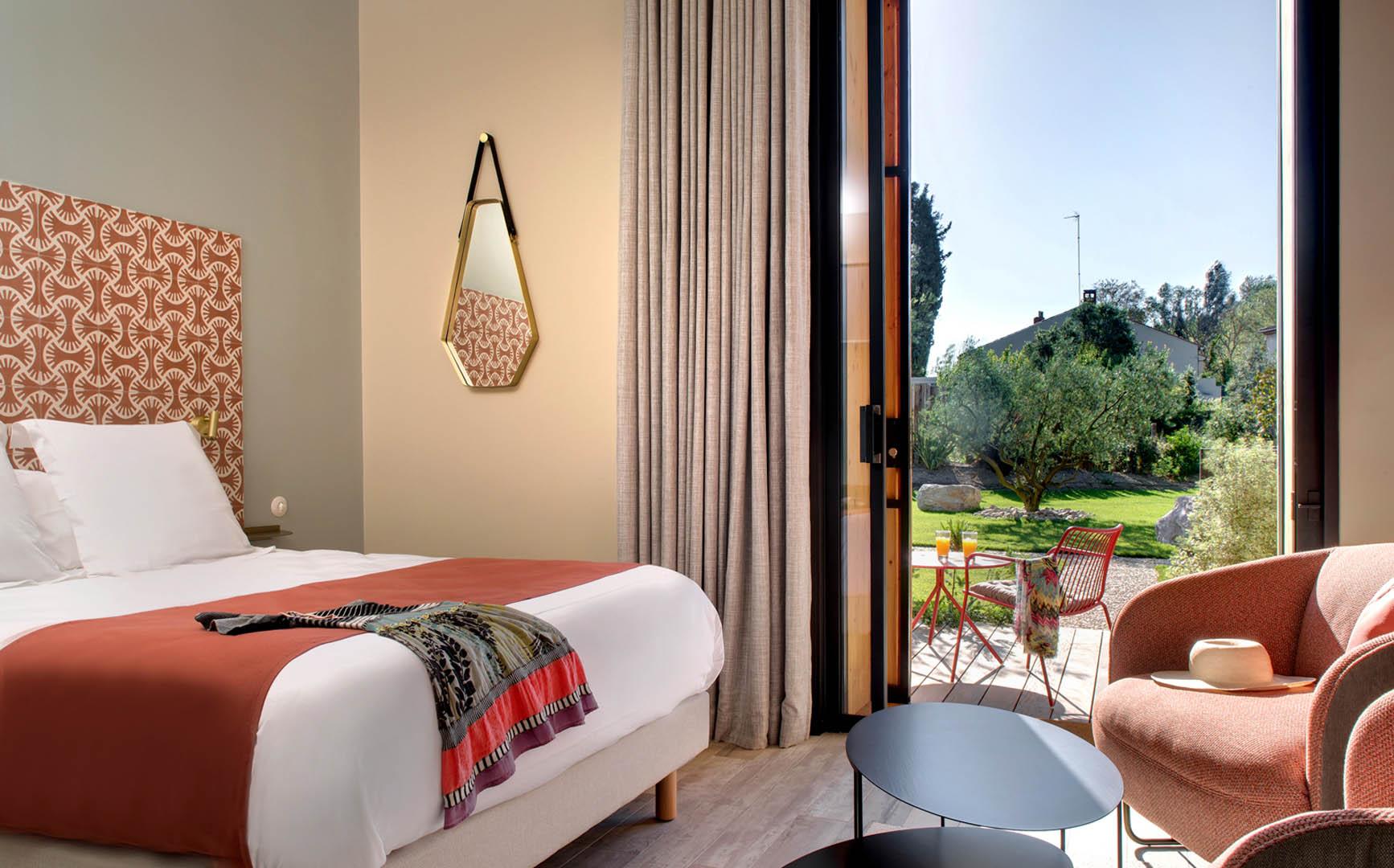 chambre ouverte sur le jardin, maison d'hôtes Provence, Le Pré Gourmand