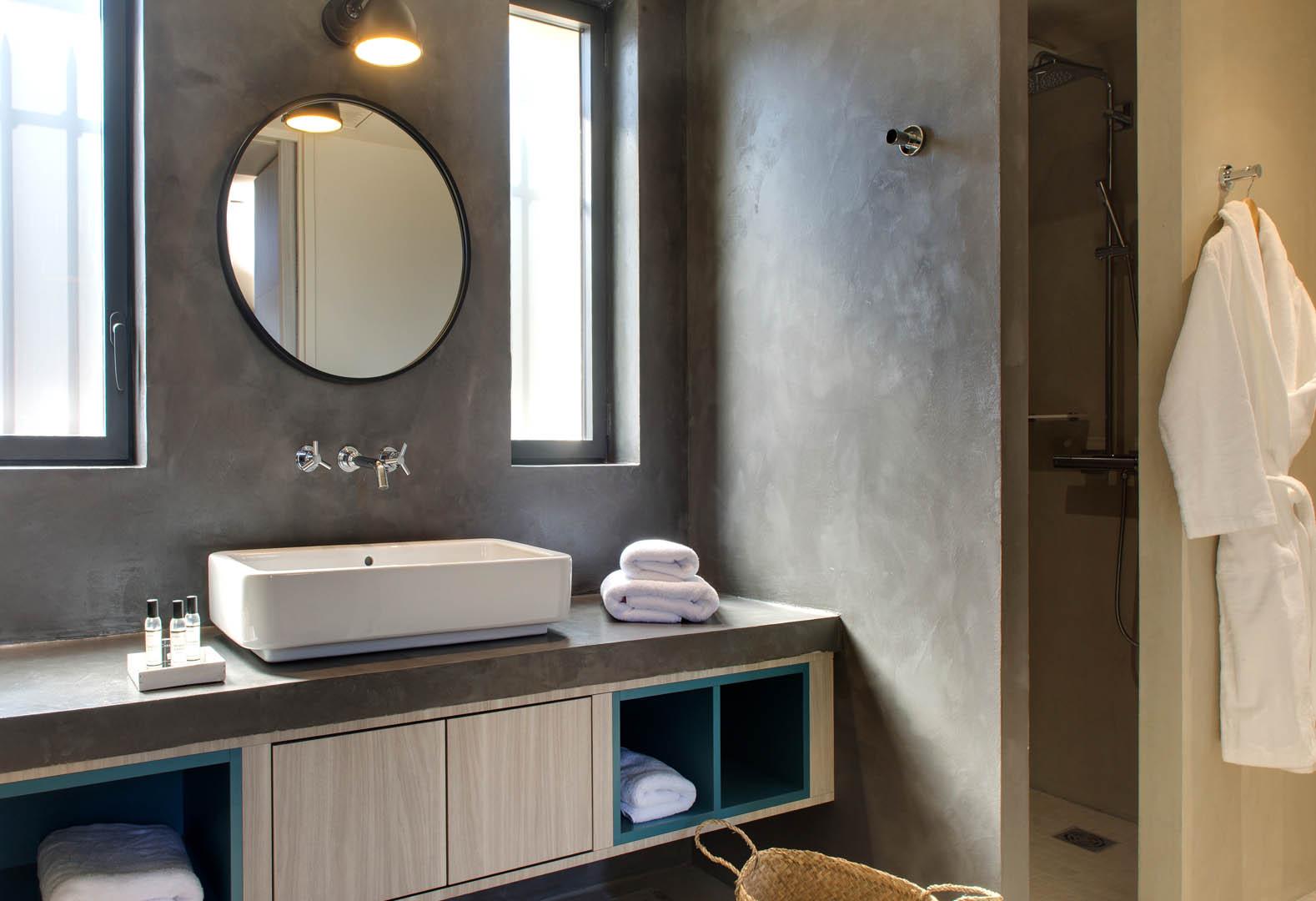 Salle de bain moderne, maison d'hôtes Alpilles, Le Pré Gourmand