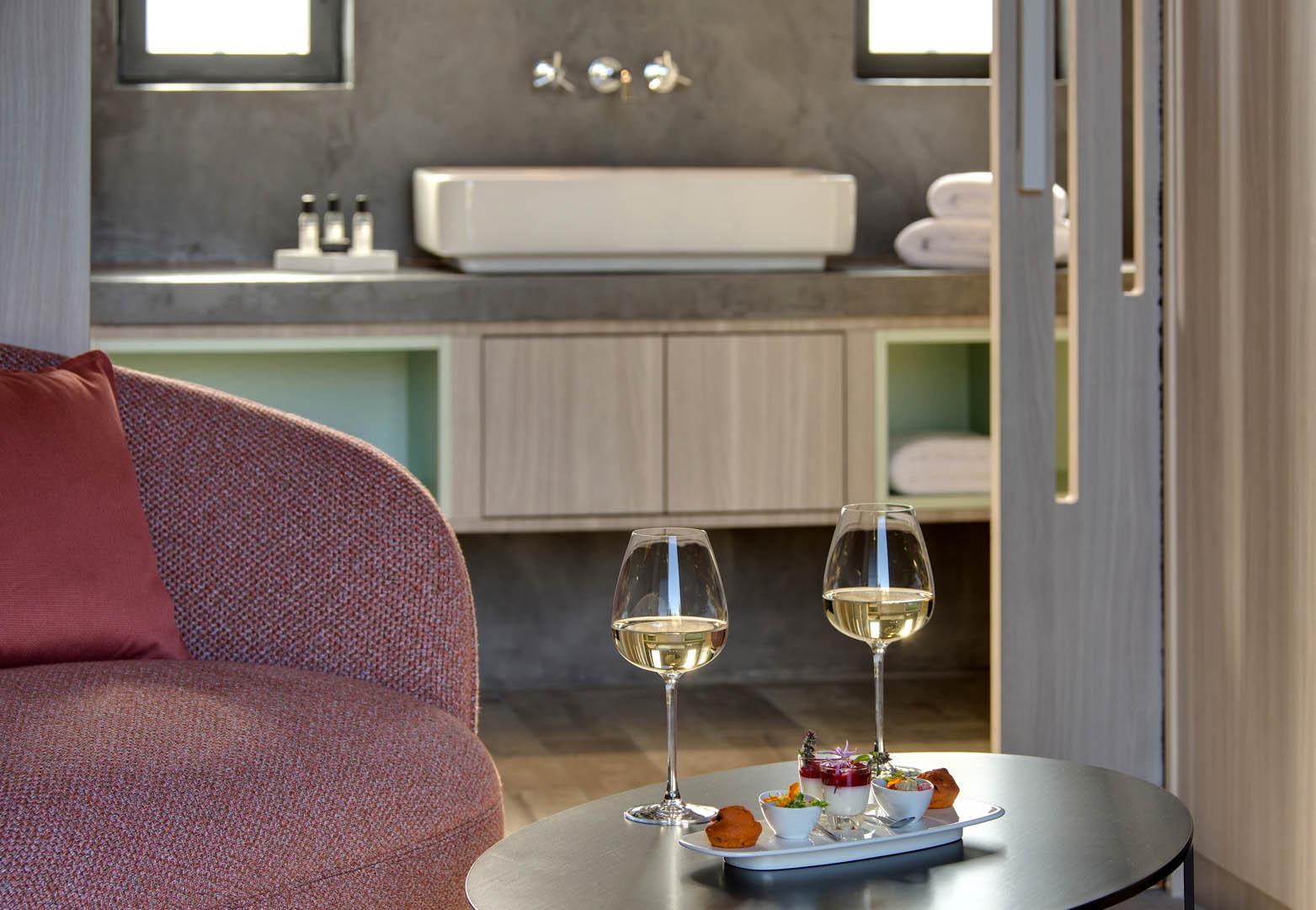 Planche apéro et vin, maison d'hôtes Provence, Le Pré Gourmand