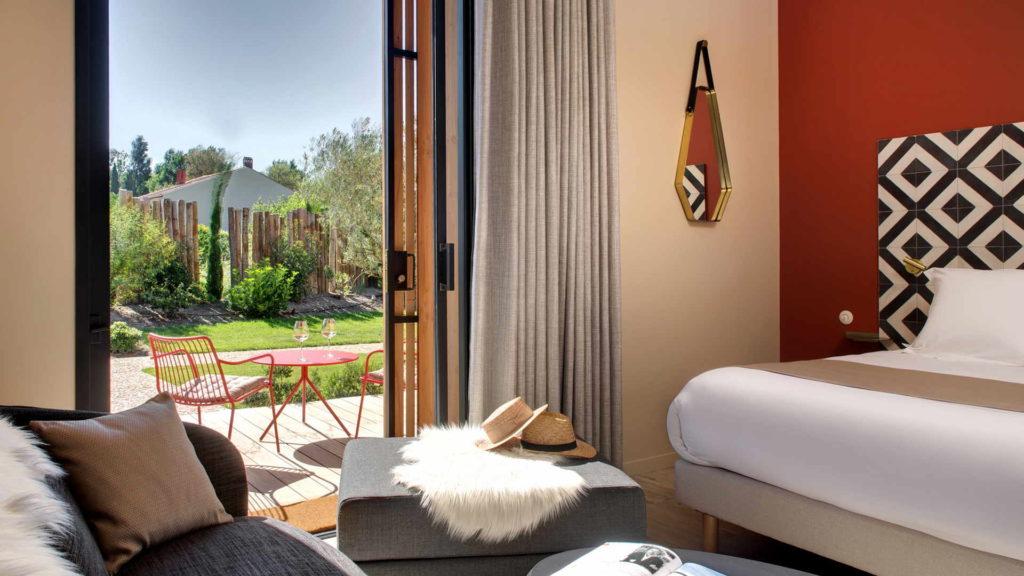 chambre avec vue sur le jardin, chambre d hotes alpilles, Le Pré Gourmand