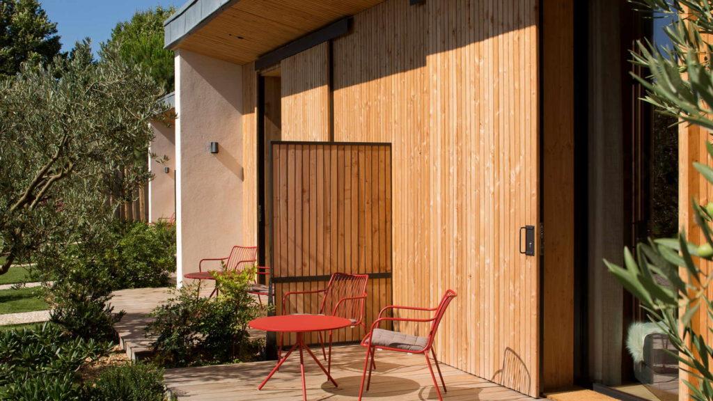 terrasse en bois, maison d hote provence, Le Pré Gourmand