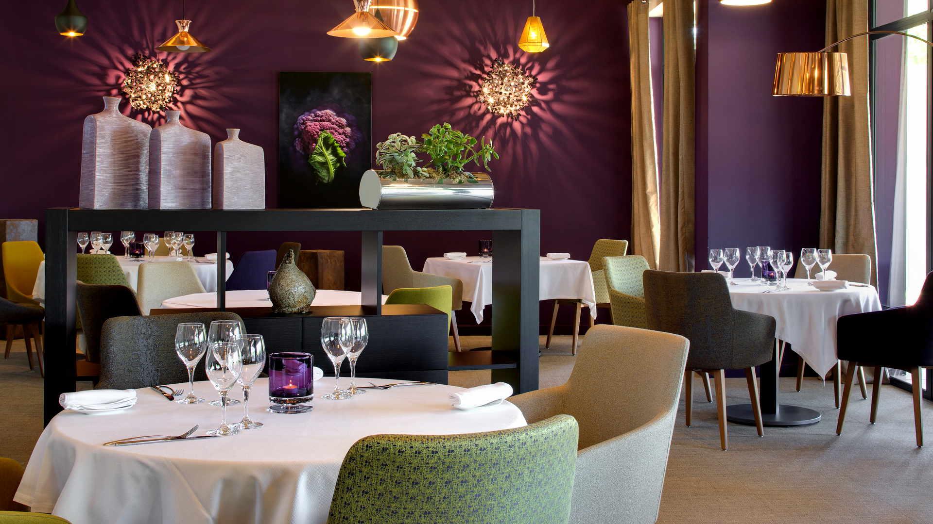 tables de restaurant, restaurant gastronomique, Le Pré Gourmand